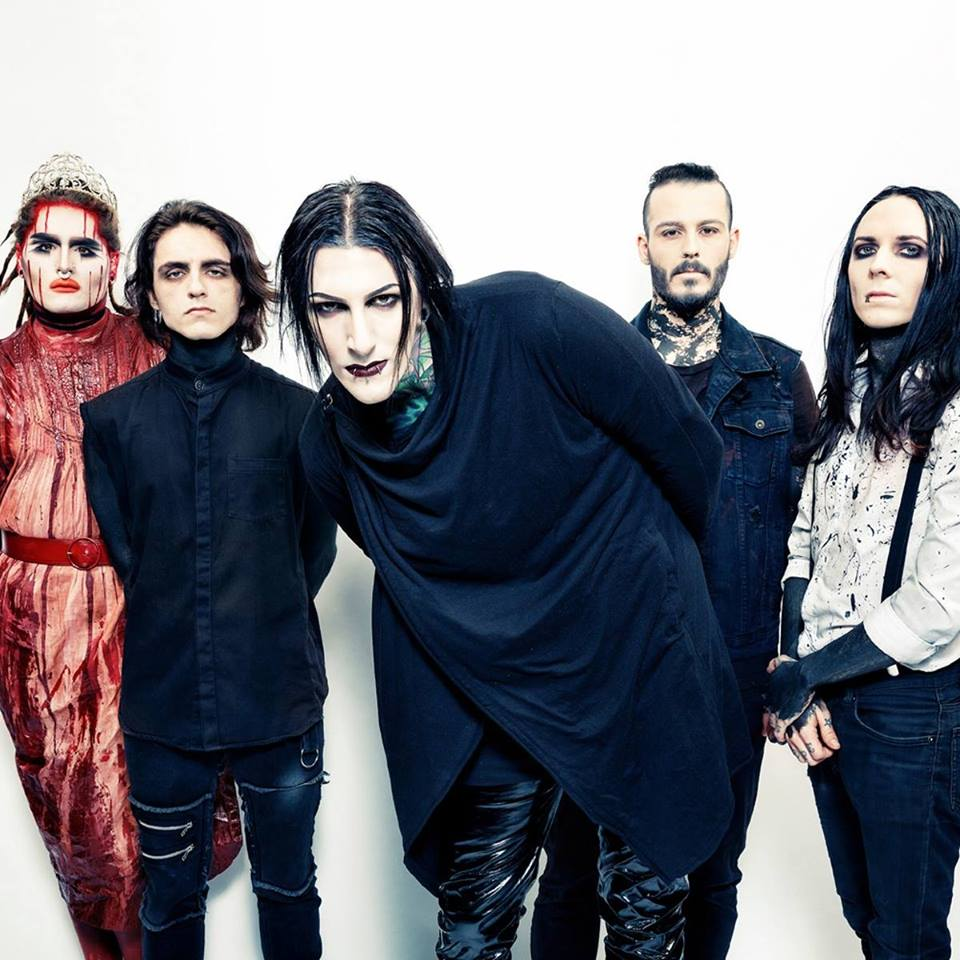 Preview: MOTIONLESS IN WHITE
