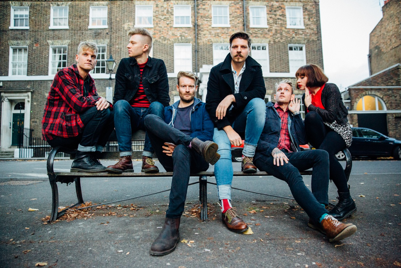 Preview: SKINNY LISTER