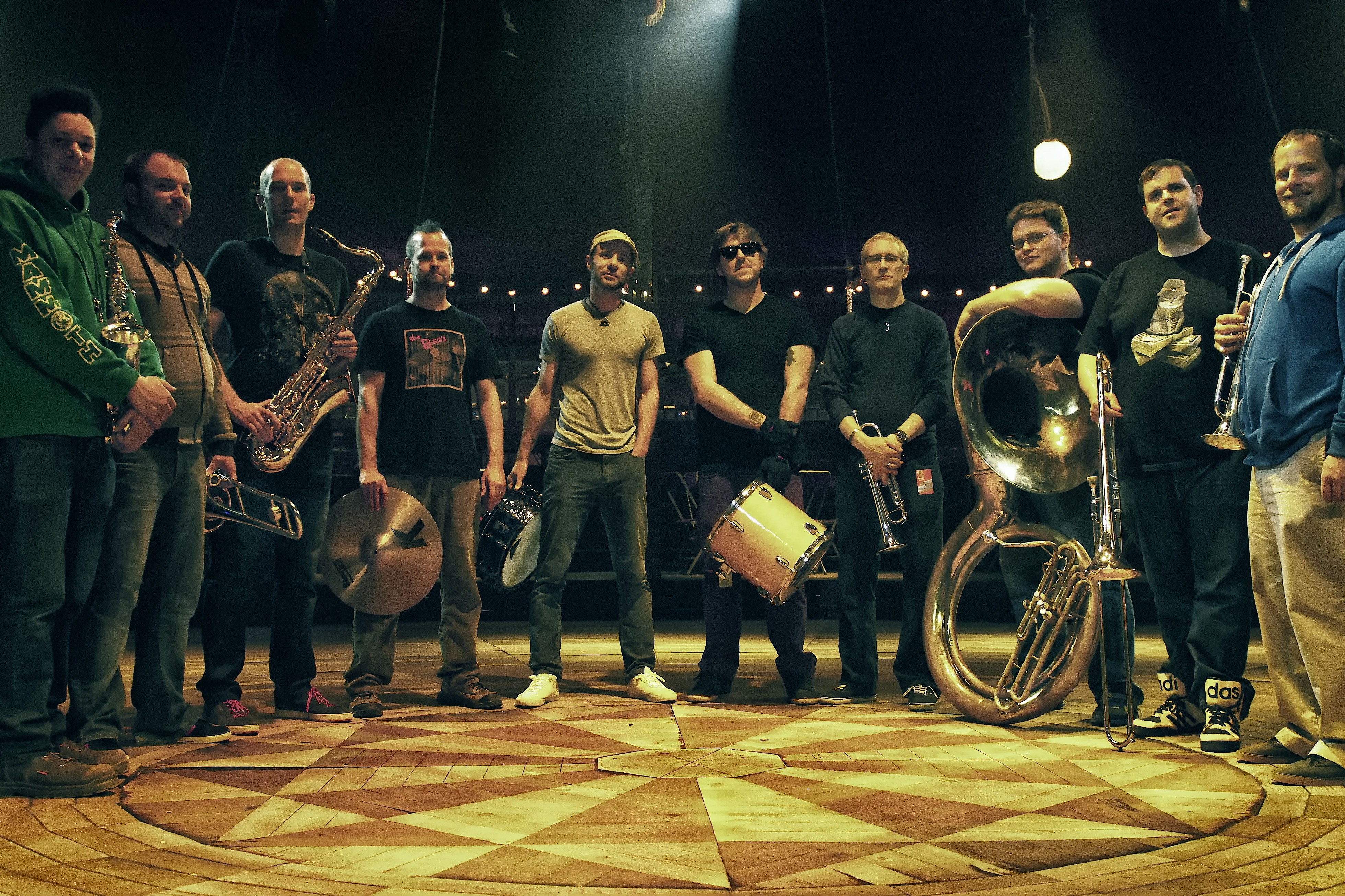 Preview: YOUNGBLOOD BRASS BAND