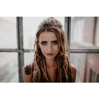 Preview: Sarah Lesch